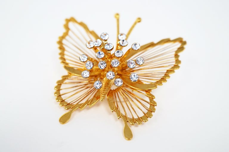 Monet 1970s Gilded Butterfly Brooch with Crystal Rhinestones, Signed In Excellent Condition For Sale In Los Angeles, CA