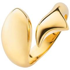 "Monica Rich Kosann 18K Yellow Gold ""Perseverance"" Fish Ring"