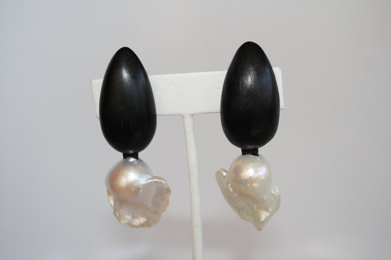 Monies Ebony and Freshwater Baroque Pearl Clip Earrings In New Condition For Sale In Virginia Beach, VA