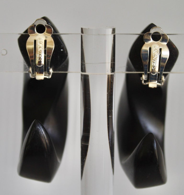Monies Ebony Wood Hoop Clip Earrings In New Condition For Sale In Virginia Beach, VA