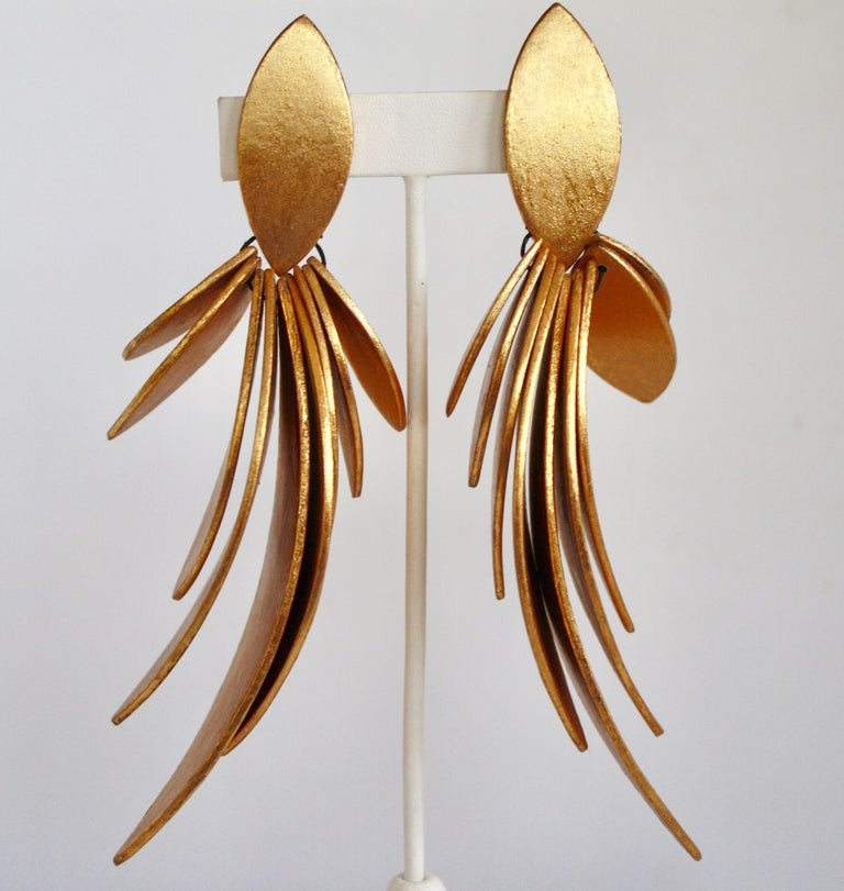 Monies Gold Leaf and Ebony Wood Statement Clips In New Condition For Sale In Virginia Beach, VA