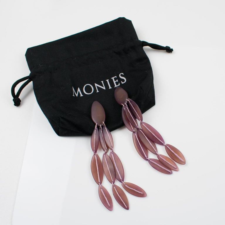 Monies Oversized Purple Resin Clip Earrings In Excellent Condition For Sale In Atlanta, GA