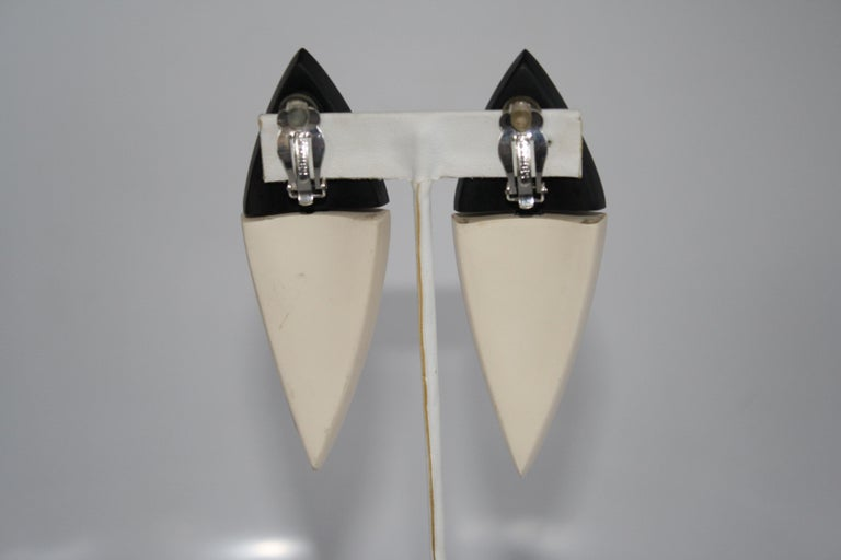 Monies Wood and Bone Clip Earrings In New Condition For Sale In Virginia Beach, VA