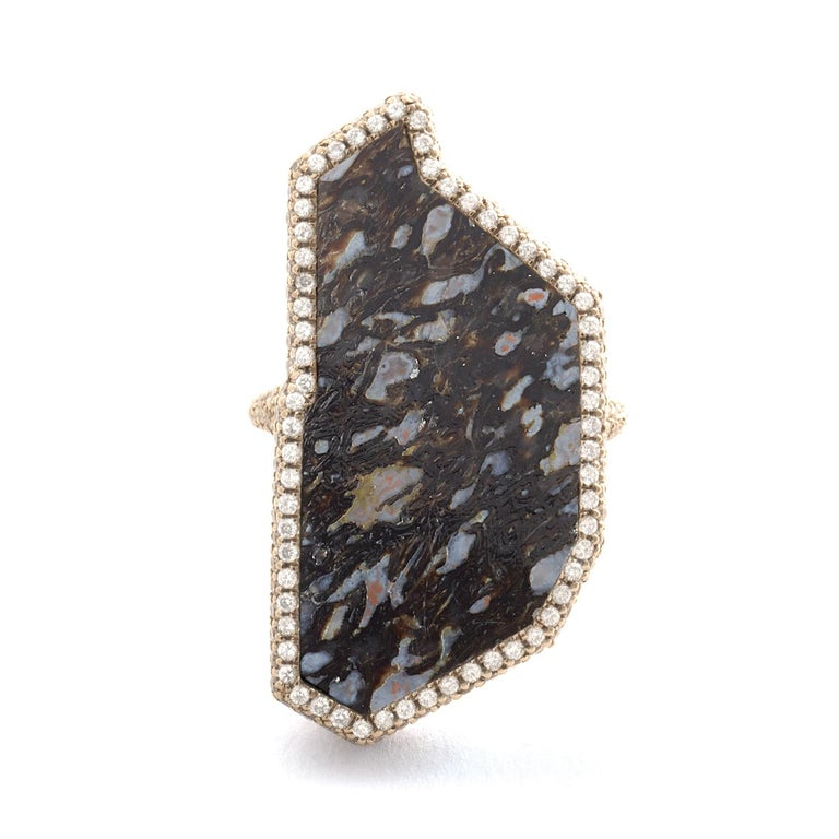 Flawless black fossilized dinosaur bone and white diamond ring, 18 carat recycled white gold, 2.89 TCW  - One-of-a-kind  The immersive black and blue hues of this specimen of fossilized dinosaur bone are accented by pavé-set white diamonds that