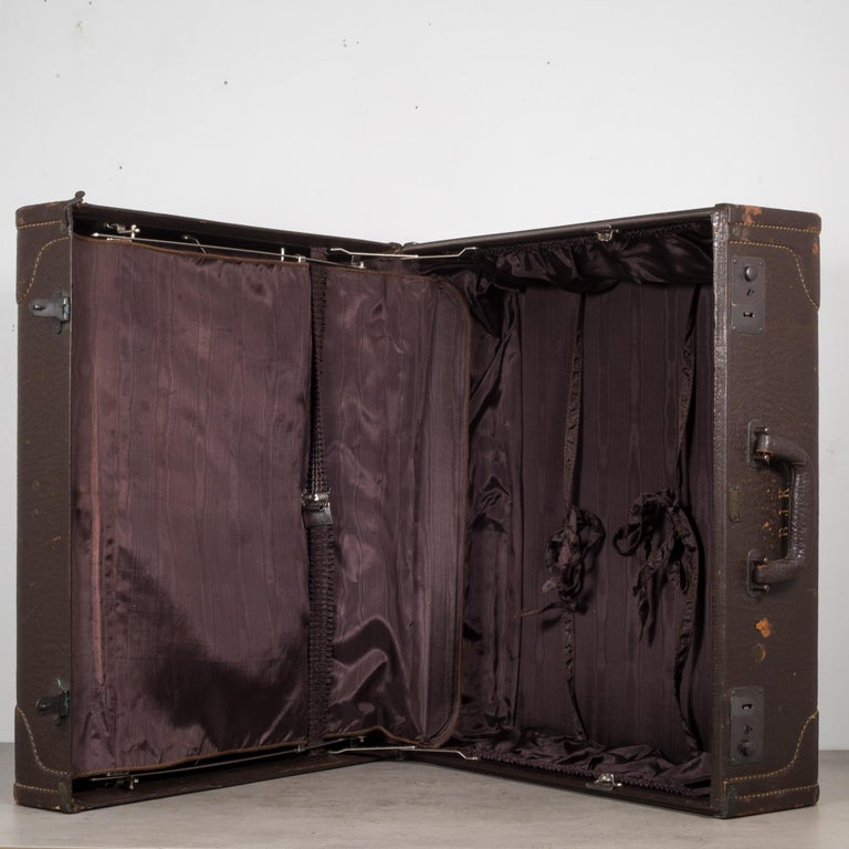 Monogrammed Leather Luggage, circa 1940 For Sale 2