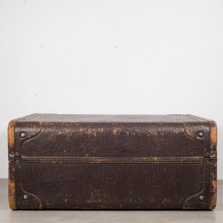 Monogrammed Leather Luggage, circa 1940 For Sale 3