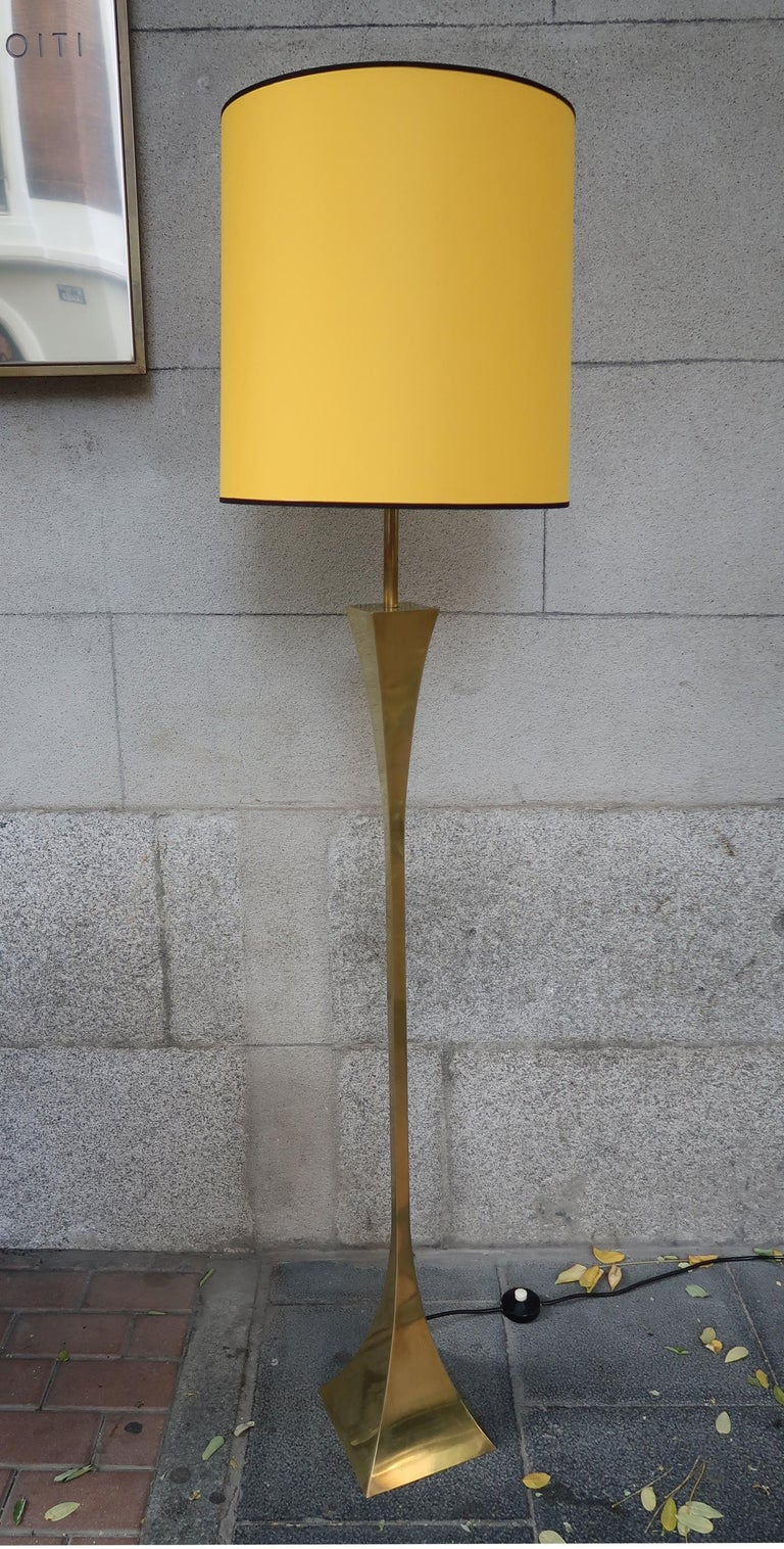 Montagna Grillo, Mod. pyramid, brass midcentury floor lamp, Italy, 1970. High Society Production.