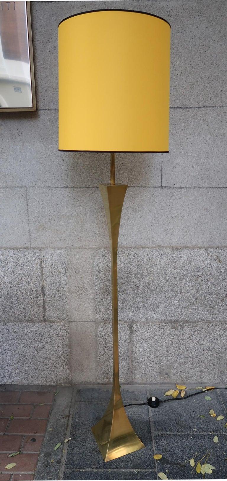 Mid-Century Modern Montagna Grillo, Mod. Pyramid, Brass Midcentury Floor Lamp, Italy, 1970 For Sale