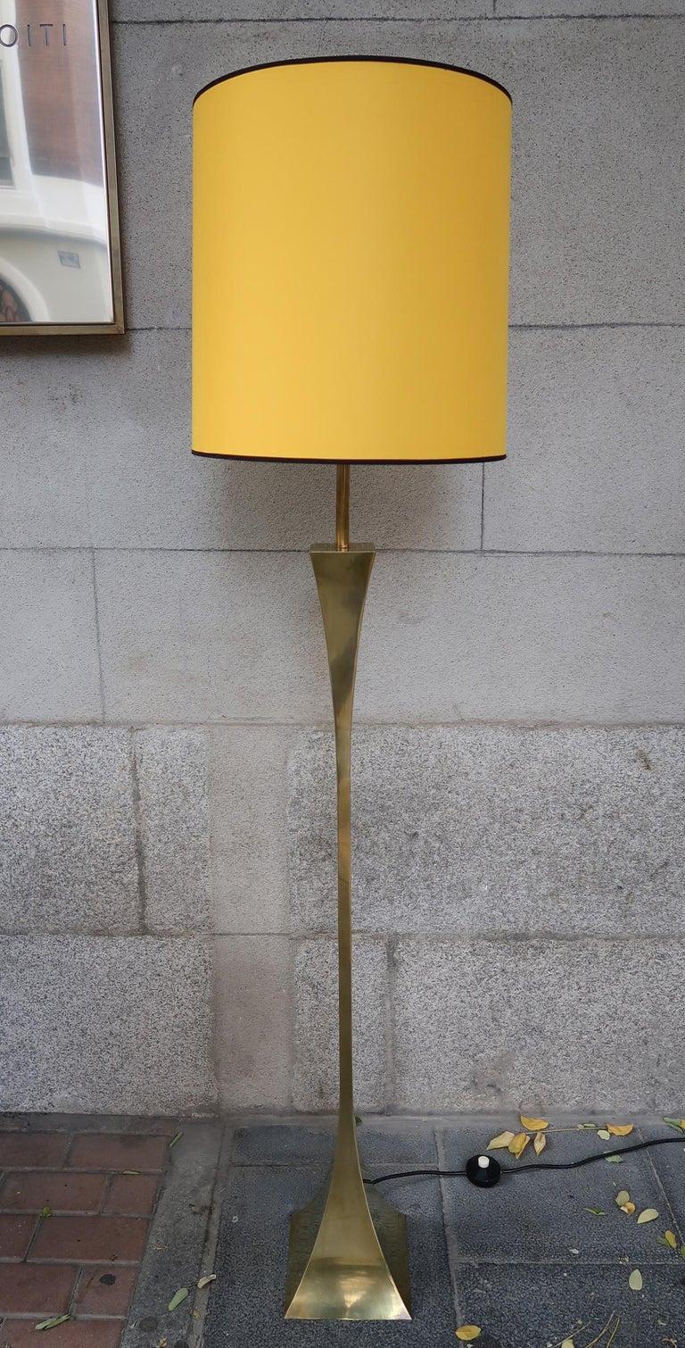 Italian Montagna Grillo, Mod. Pyramid, Brass Midcentury Floor Lamp, Italy, 1970 For Sale
