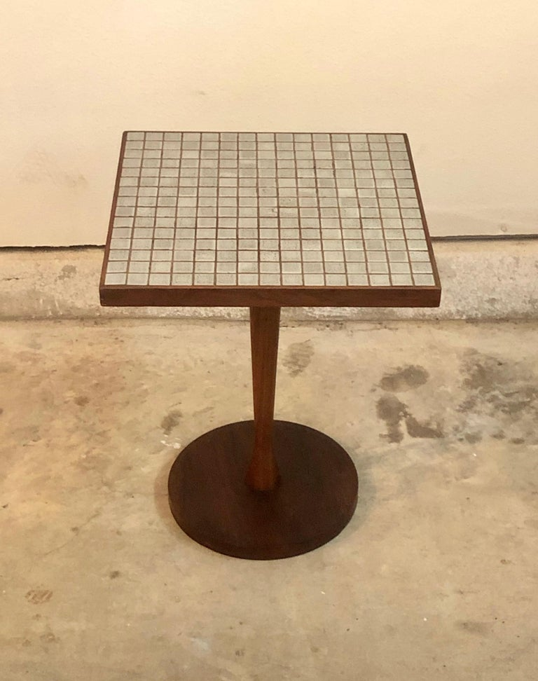 Lane Monte Carlo tile top end table/ drink table.