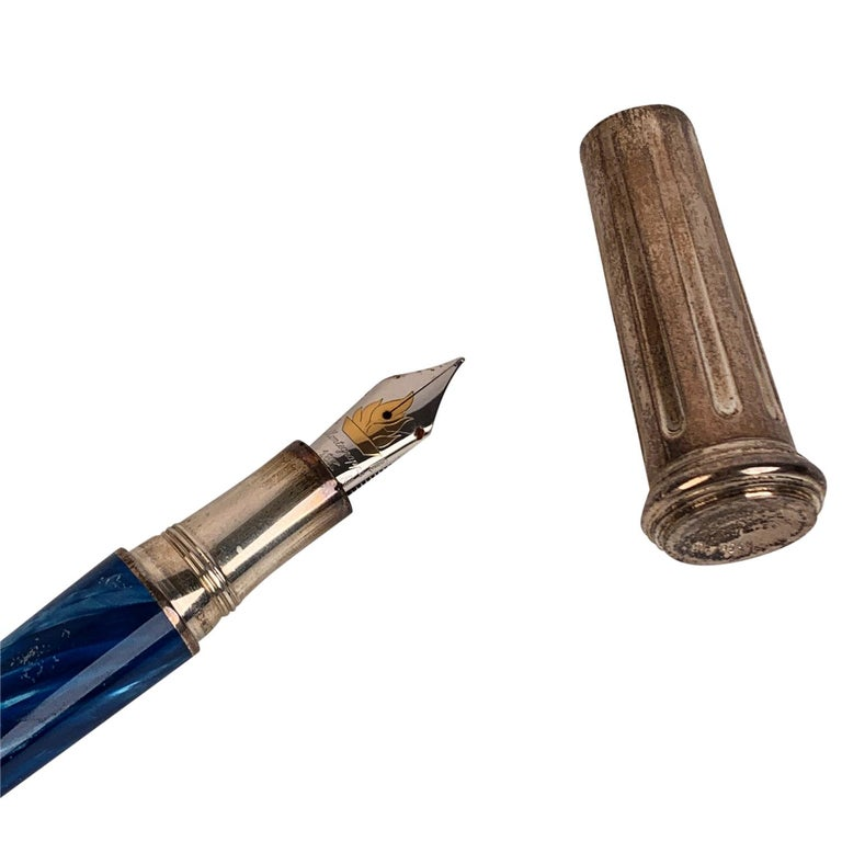 - Montegrappa pays tribute to Greece with this stunning numbered limited edition fountain pen - Turquoise barrel of finest celluloid  - 925 Sterling Silver cap - The cap of the pen recalls the form of the Olympic torch and the tapered lines of Greek