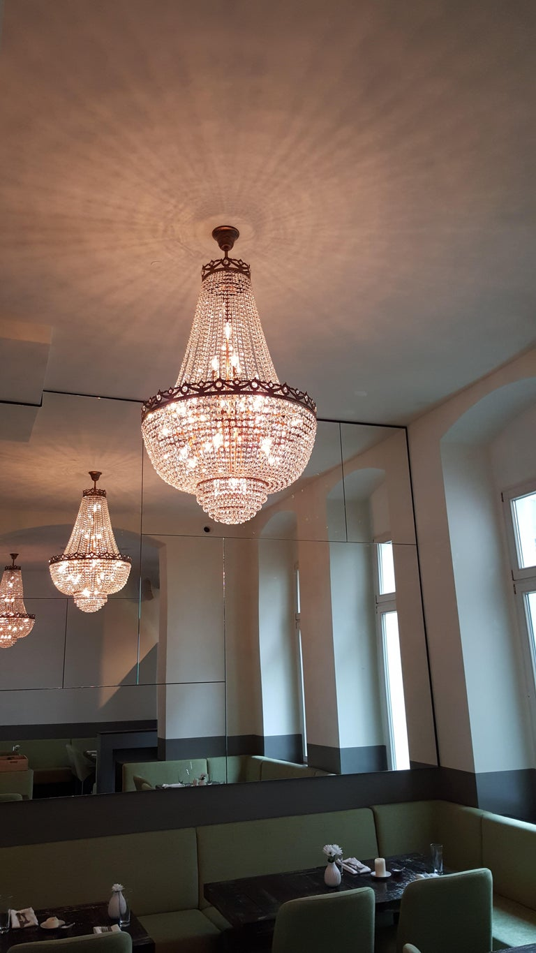 Montgolfiè Antique Lok Crystal Chandelier Empire Sac a Pearl Lamp Chateau Lustre In New Condition For Sale In Berlin, DE
