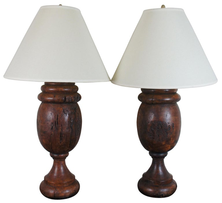 Monticello Studio Primitive Faux Wood Trophy Urn Table Lamps Rustic Lodge In Good Condition For Sale In Dayton, OH