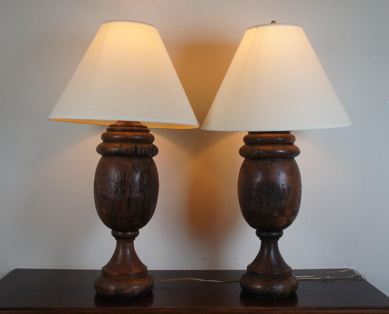 Late 20th Century Monticello Studio Primitive Faux Wood Trophy Urn Table Lamps Rustic Lodge For Sale
