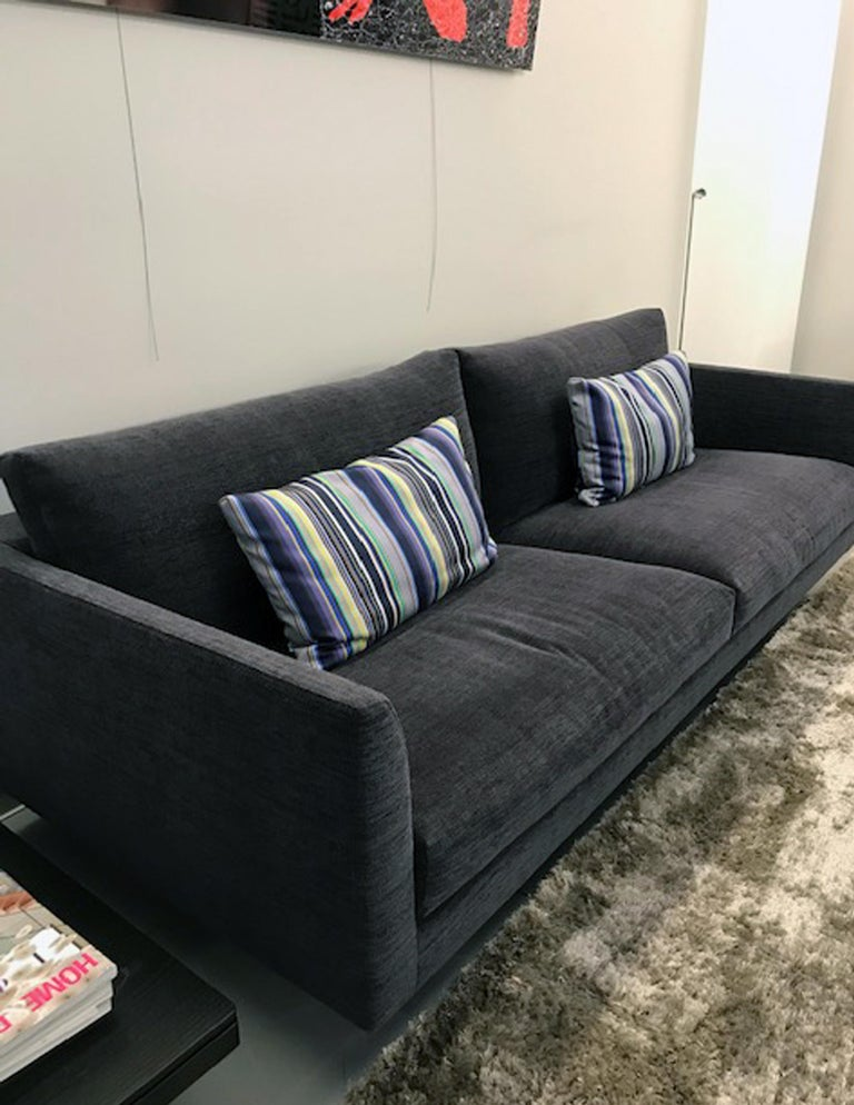 Contemporary Montis Axel 3.5 Seater Fabric Sofa For Sale