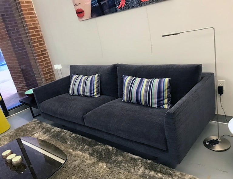 Montis Axel 3.5 Seater Fabric Sofa For Sale 2
