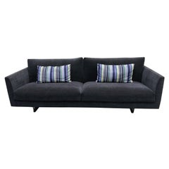 Montis Axel 3.5 Seater Fabric Sofa