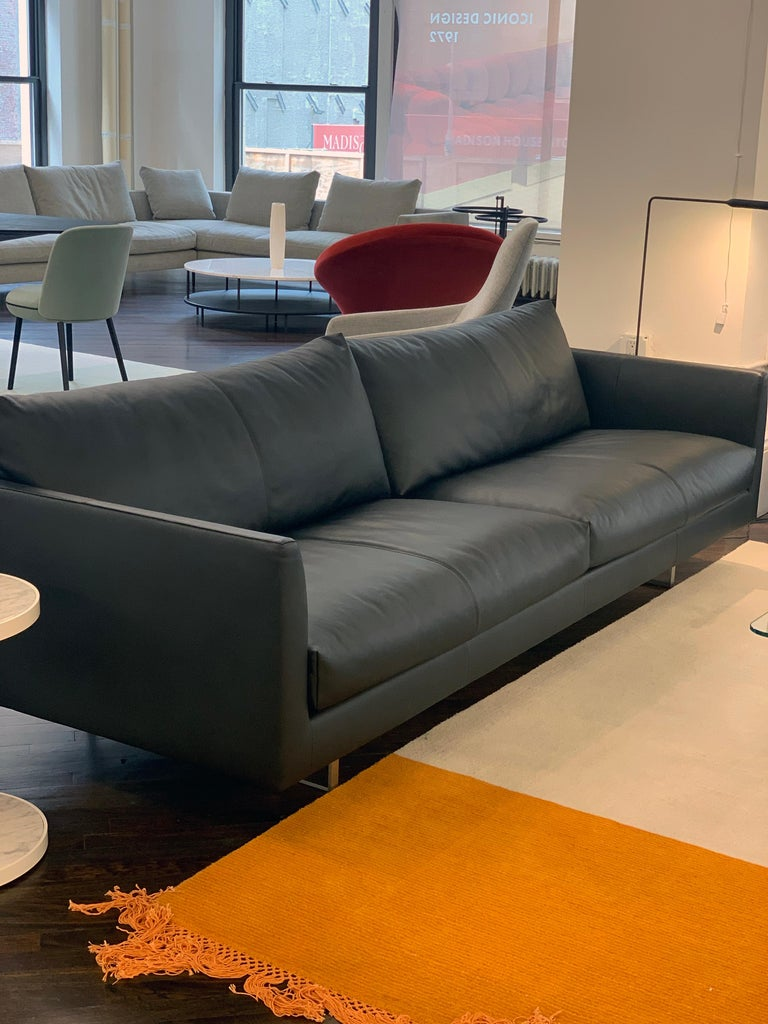 Montis Axel Black Leather Sofa In Excellent Condition For Sale In New York, NY