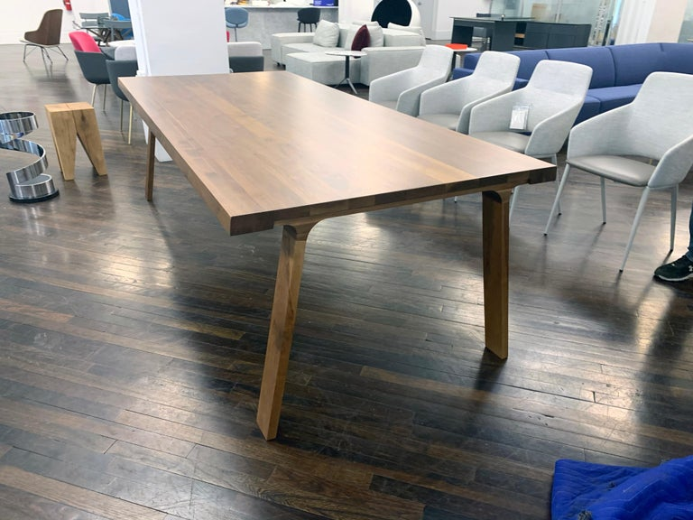 Montis Solid wood Walnut Table In Excellent Condition For Sale In New York, NY