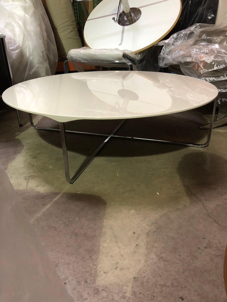 Flint is a whimsical coffee table with a surprising combination of simplicity and an understated natural character. It has a wafer thin top, tapered to the edges, which is sturdily affixed to the delicate base. Flint features a beautiful beveled