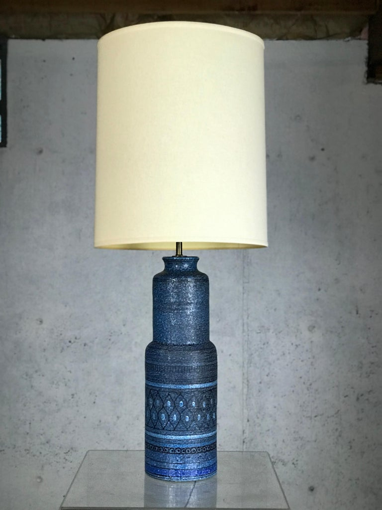 Mid-Century Modern Monumental 1960s Italian Ceramic Table Lamp by Bitossi for Raymor For Sale