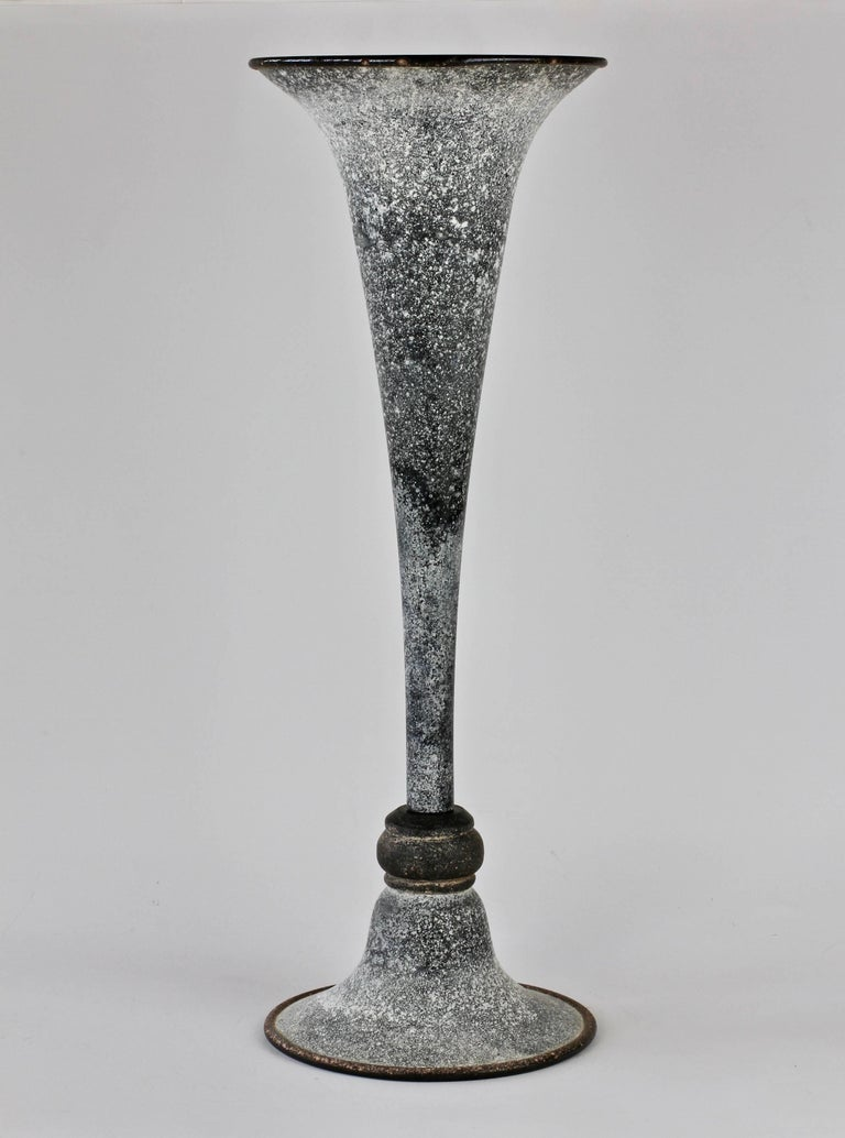 Monumental 21 inch tall 'a Scavo' vase by Vittorio Rigattieri for Seguso Vetri d'Arte Murano, Italy, circa 1960s. Elegant in form and showing extraordinary craftmanship with the use of the 'Scavo' technique. Above all, particularly striking is the