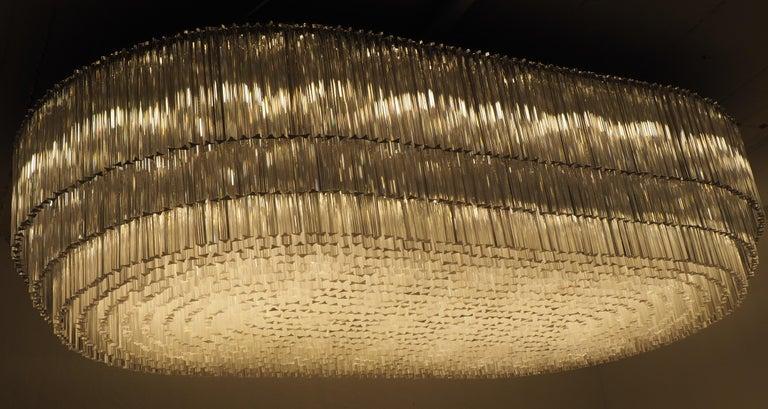 Mid-Century Modern Monumental 70-Light Oval Murano Glass Chandelier, circa 1960s For Sale