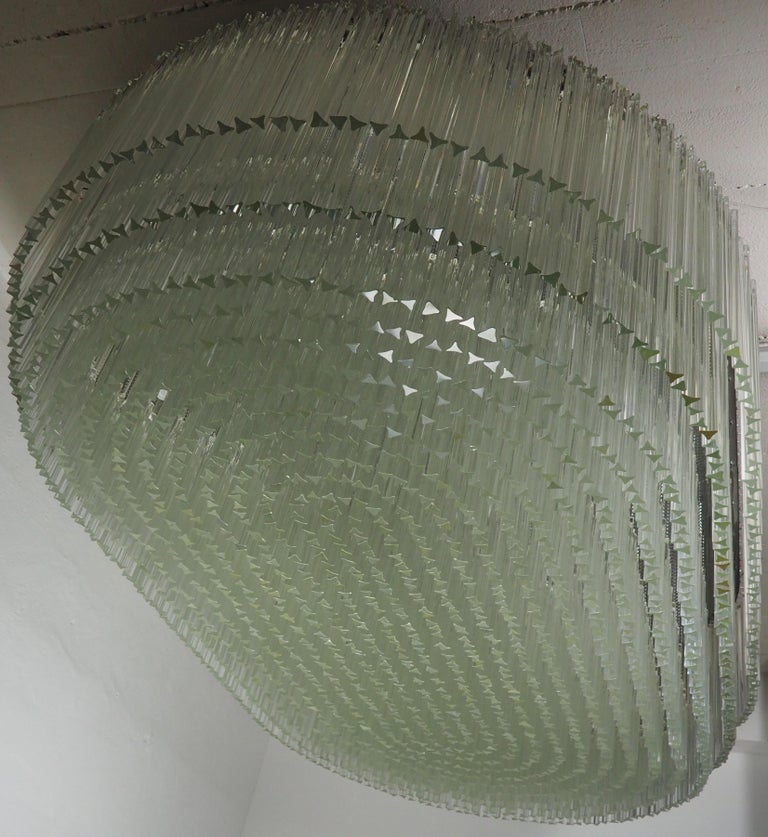 Monumental 70-Light Oval Murano Glass Chandelier, circa 1960s For Sale 1