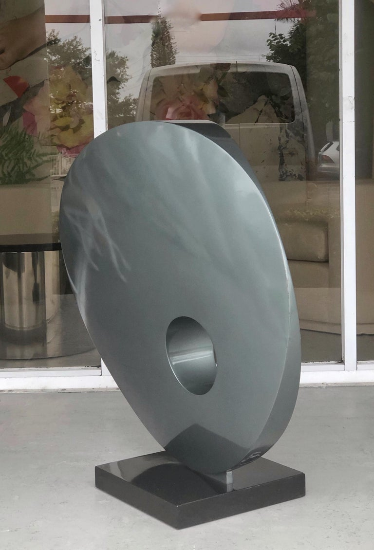 Monumental Abstract Modern Round Steel Sculpture In Good Condition For Sale In Miami, FL