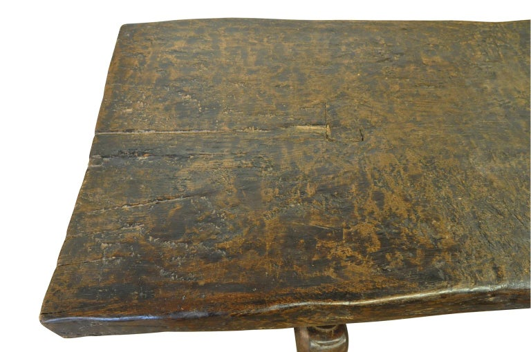 Monumental and Very Rare Pair of 16th Century Spanish Castle Tables For Sale 8