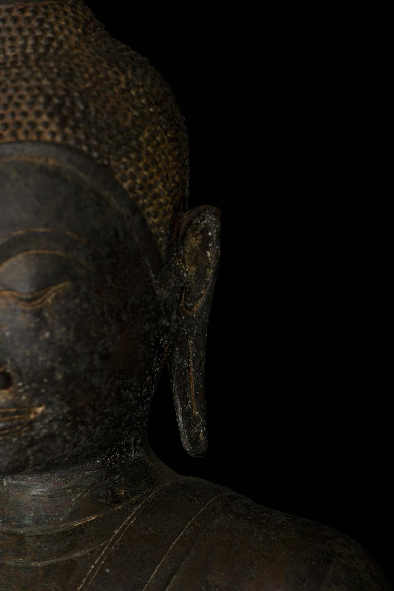Monumental Bronze Seated Enlightenment Buddha, 19th Century, Old UK Collection For Sale 2