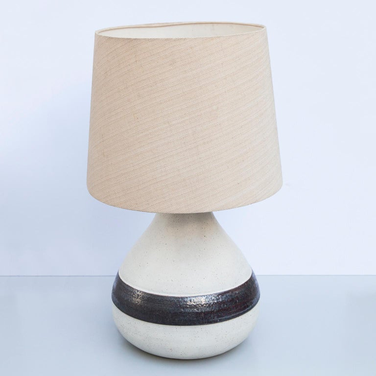 Monumental Bruno Gambone stoneware table lamp with a brown stripe and in greige glazed stoneware, Italy 1980s, signed Gambone Italy.