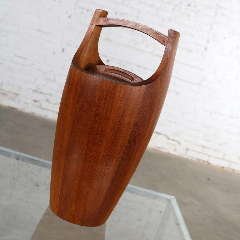 Scandinavian Modern Monumental Dansk Staved Teak Bucket Style Ice Bucket by Jens Quistgaard For Sale