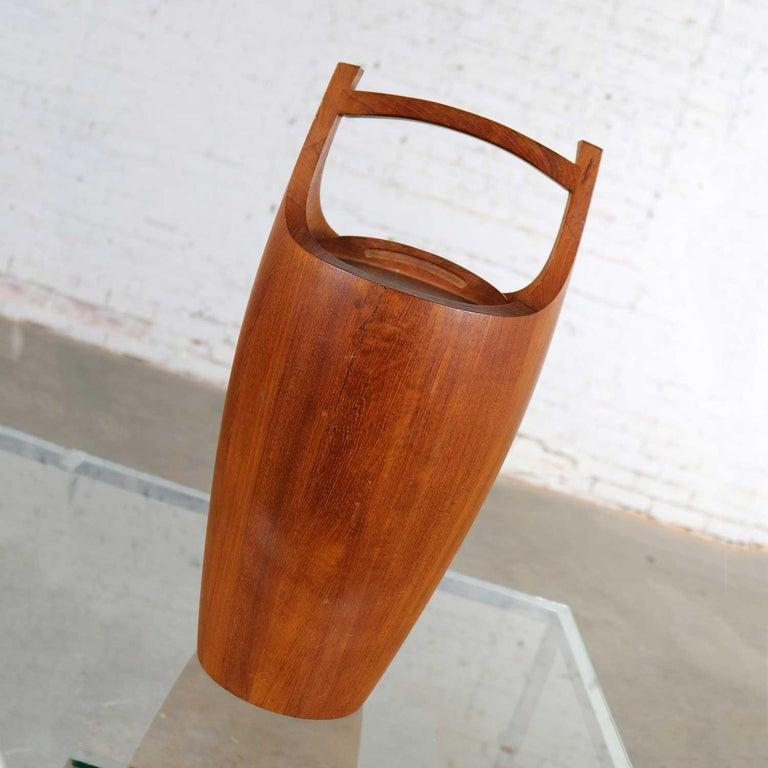 20th Century Monumental Dansk Staved Teak Bucket Style Ice Bucket by Jens Quistgaard For Sale