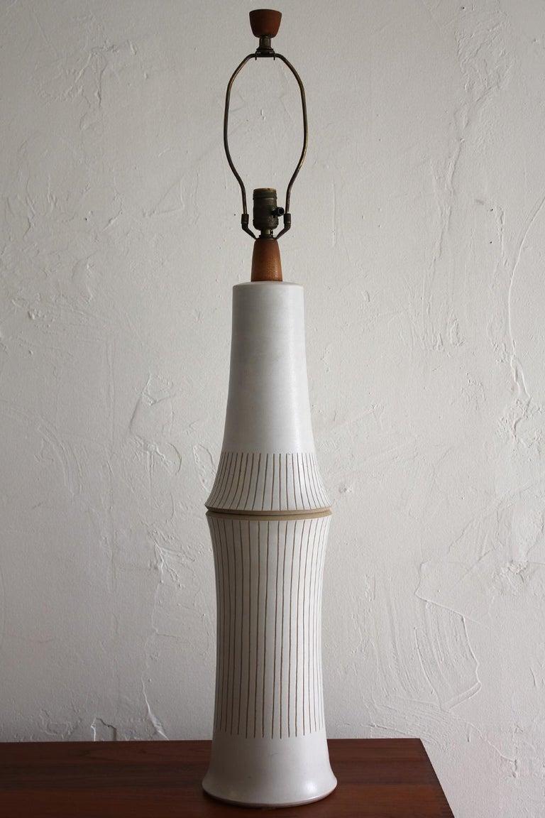 Monumental Gordon & Jane Martz Studio Tall Ceramic Table Lamp For Sale 1