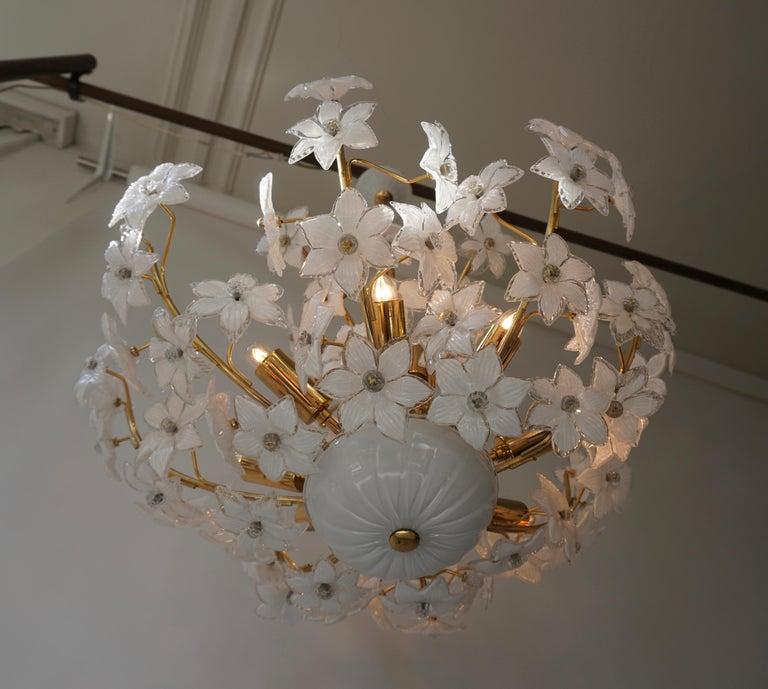 Monumental Modernist Italian Murano Venini Style Flower Glass Gilt Chandelier For Sale 4