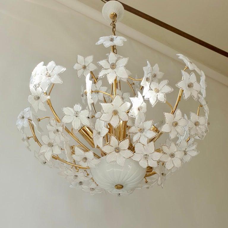 Monumental Modernist Italian Murano Venini Style Flower Glass Gilt Chandelier For Sale 8