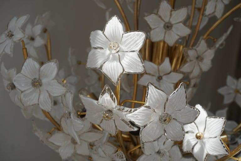 Monumental Modernist Italian Murano Venini Style Flower Glass Gilt Chandelier For Sale 11