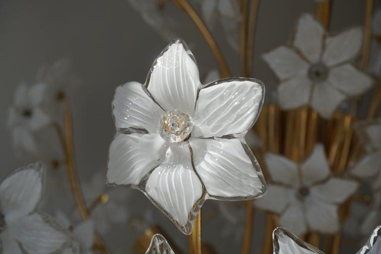 Monumental Modernist Italian Murano Venini Style Flower Glass Gilt Chandelier For Sale 12