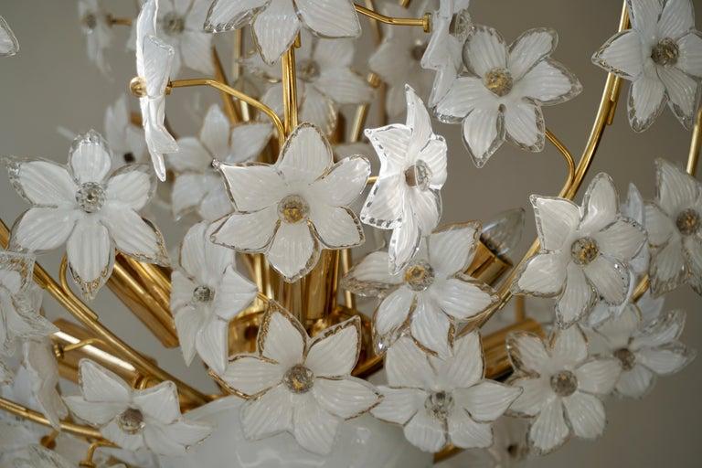 Monumental Modernist Italian Murano Venini Style Flower Glass Gilt Chandelier For Sale 13