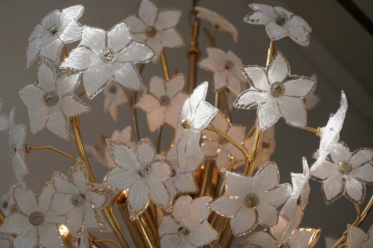 Monumental Modernist Italian Murano Venini Style Flower Glass Gilt Chandelier For Sale 14