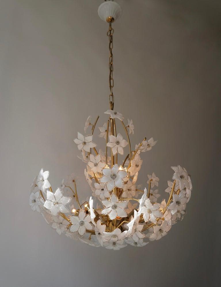 Monumental Modernist Italian Murano Venini Style Flower Glass Gilt Chandelier For Sale 2