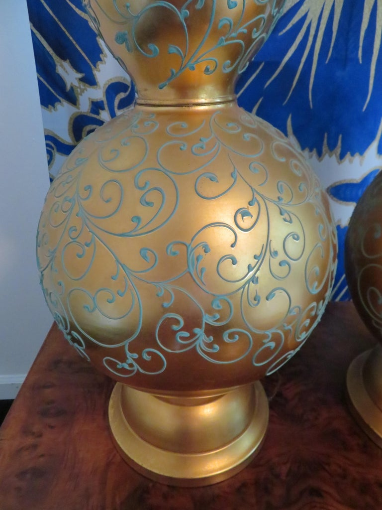 American Monumental Pair of Gold Leaf Gourd Shaped Hollywood Regency Modern Lamps For Sale
