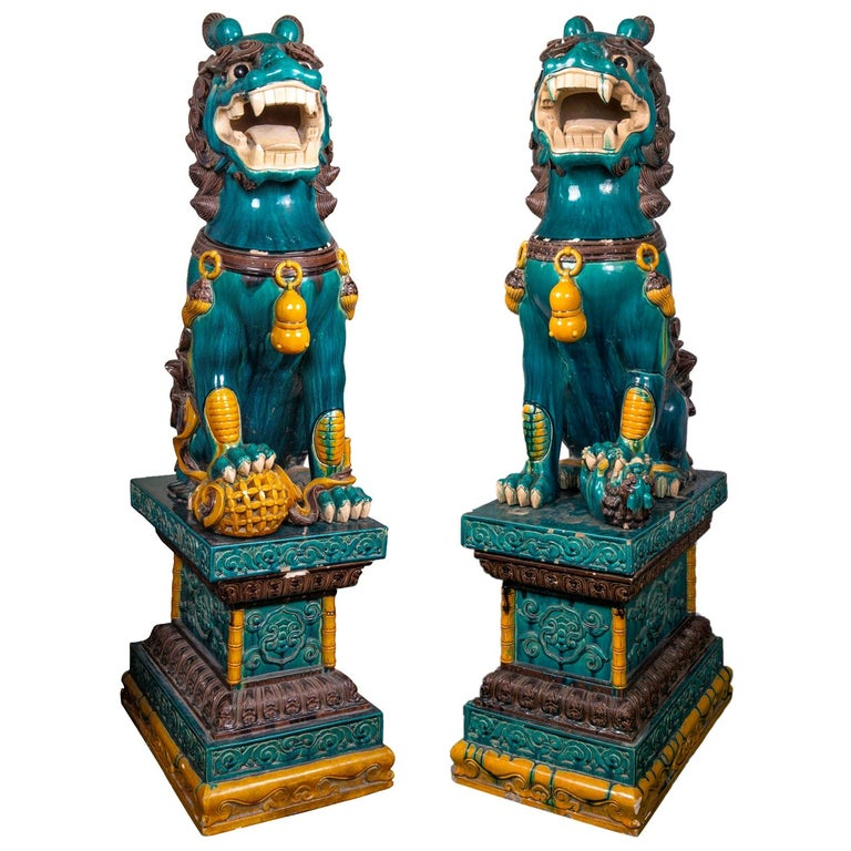 Monumental Pair of Early 20th Century Chinese Dog of Faux For Sale