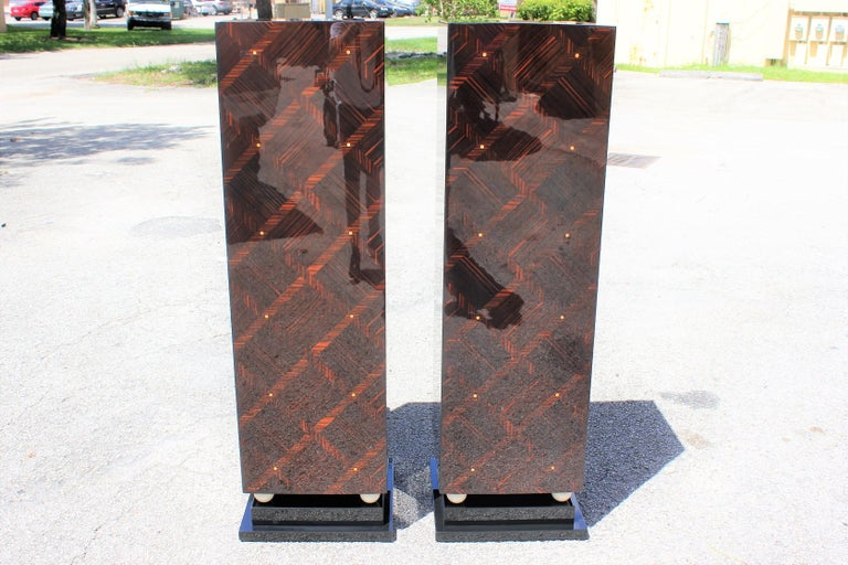 Monumental Pair of French Exotic Macassar Ebony Pedestals MOP Accents For Sale 8