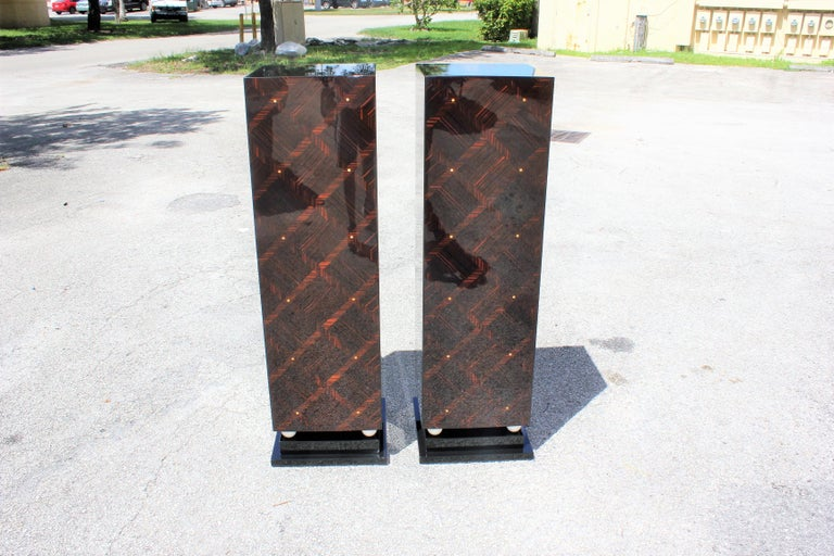 Monumental Pair of French Exotic Macassar Ebony Pedestals MOP Accents For Sale 2