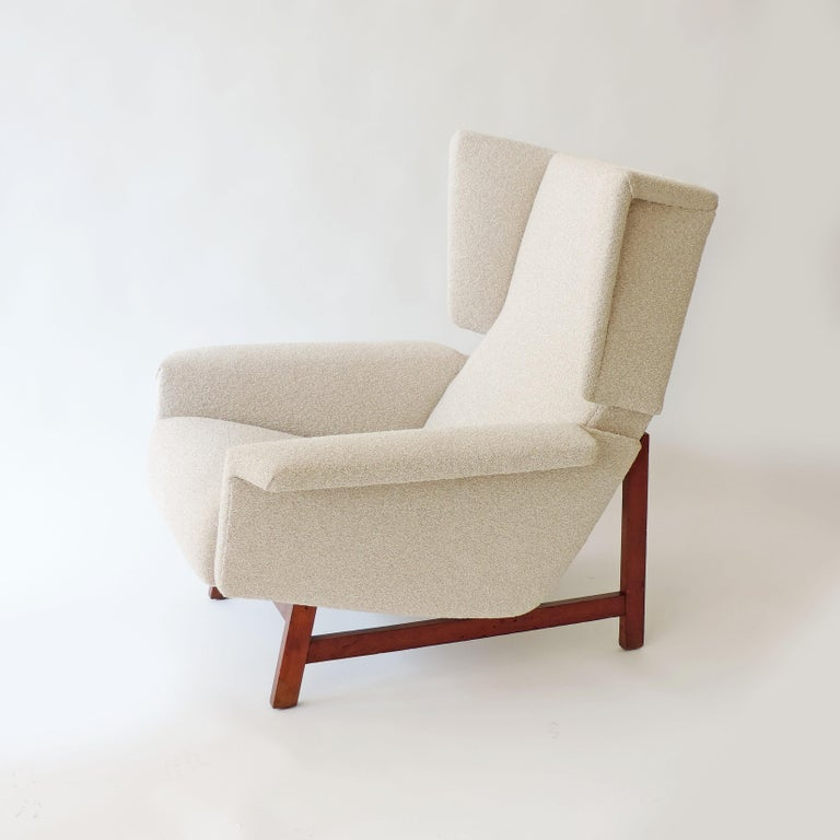 Monumental Pair of Italian 1960s Lounge Chairs For Sale 5