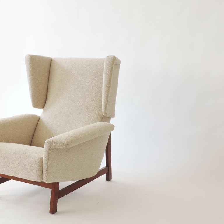Monumental Pair of Italian 1960s Lounge Chairs For Sale 2