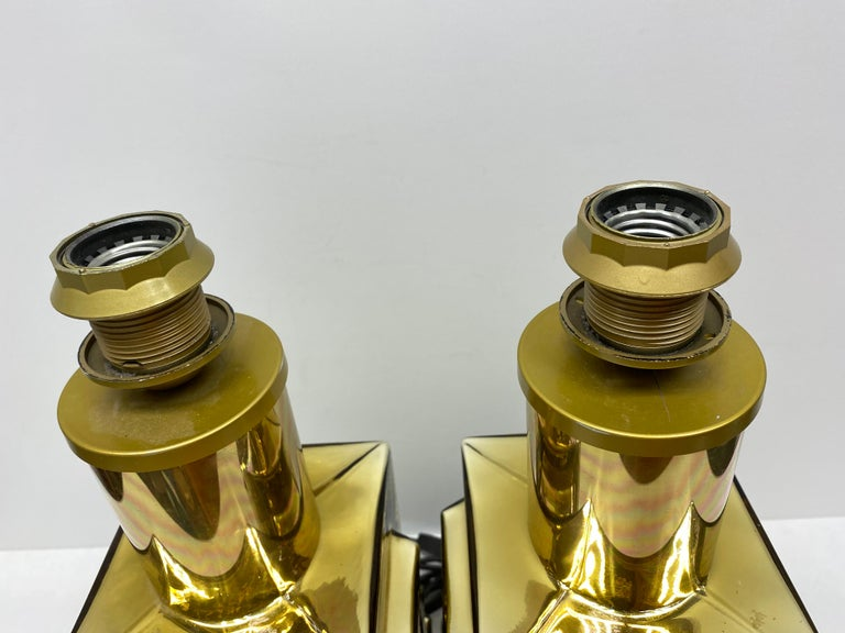 Monumental Pair of Table Lamps Gold Colored Glass Pagoda Shades Vintage, Italy 11