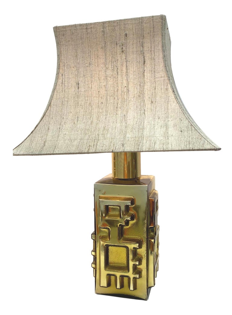 Hollywood Regency Monumental Pair of Table Lamps Gold Colored Glass Pagoda Shades Vintage, Italy